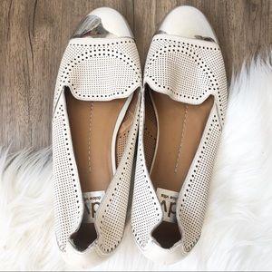 Dolce Vita Cream Silver Toe Flats 10
